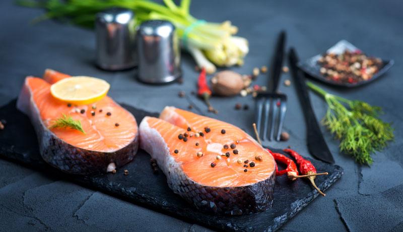 Salmone marinato e marinatura con Grilioo